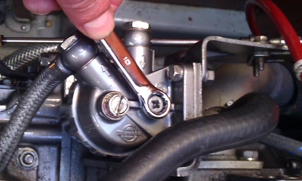 Ontluchten brandstoffijnfilter